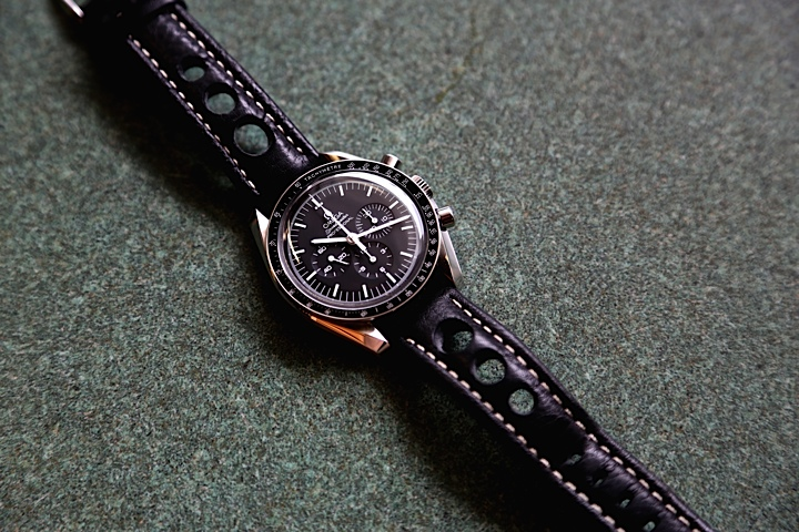 Omega Speedmaster Professional - The Moon Watch 42mm, Stainless Steel with Manual Winding